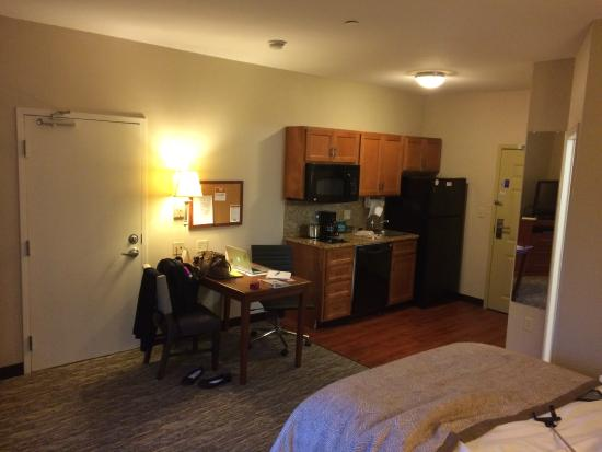 Candlewood Suites Athens-GA: Room