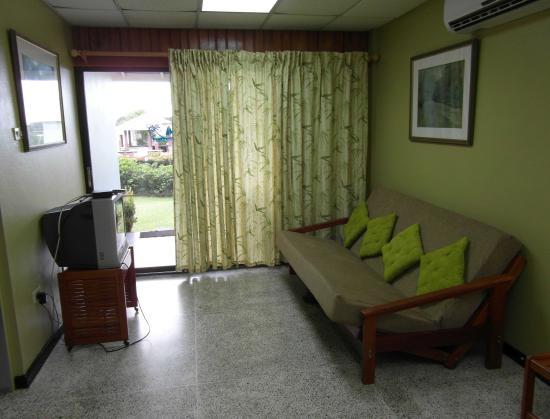Belleviste Apartments : living room