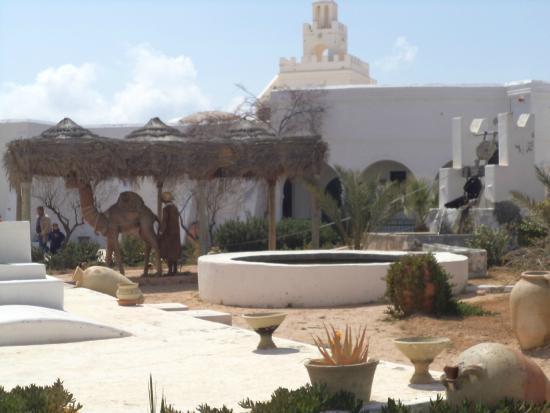 Musee du Patrimoine Traditionnel Djerbien: musée du patrimoine. patio interieur