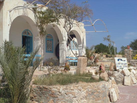 Musee du Patrimoine Traditionnel Djerbien: restaurant a coté des potiers