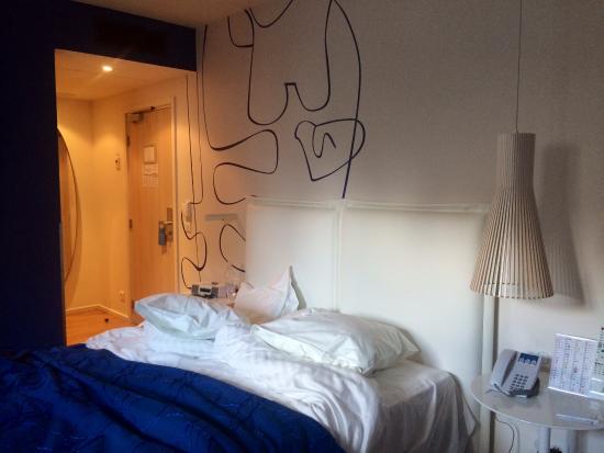 Hotel Victoria: The bedroom