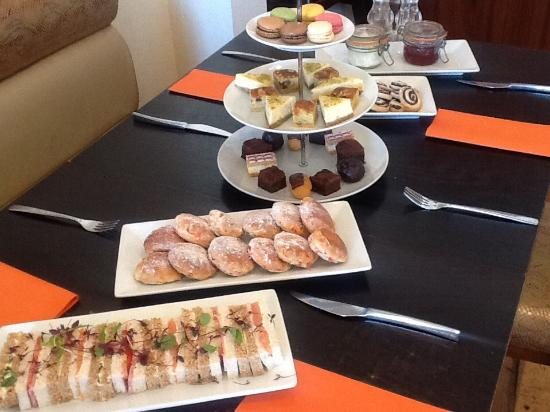 Pioneer Bar and Brasserie: Afternoon tea