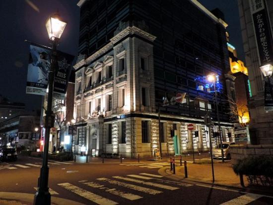 Nihonkoua Bashamichi Building: ライトアップ