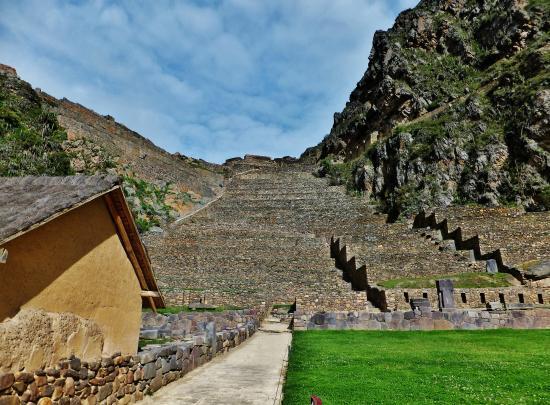 Templo de Ollantaytambo: Bottomup view of the citadel