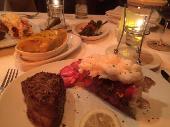 Fleming's Prime Steakhouse & Wine Bar : Steak and lobster for 2