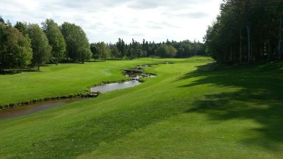 Mill River Golf Course - Rodd Mill River Resort: a river runs through it