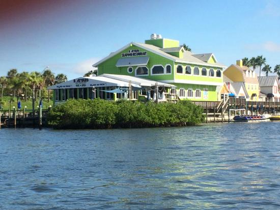 Boatyard Waterfront Bar and Grill: The Best Water View in Sarasota