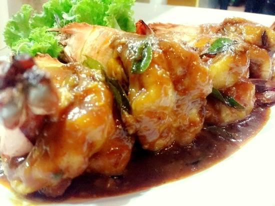 Telaga Seafood Restaurant: a lot choice...