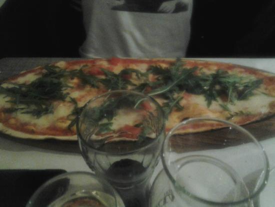 pizza - Picture of La Terrazza, Veniano - TripAdvisor