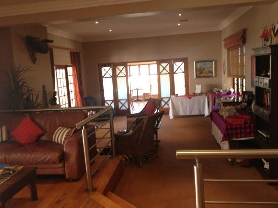 Cape Flame Guest House: main/common area