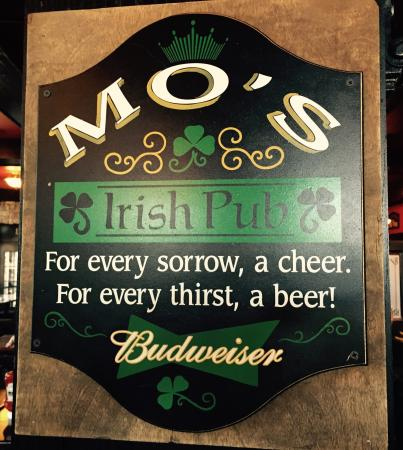‪Mo's Irish Pub‬