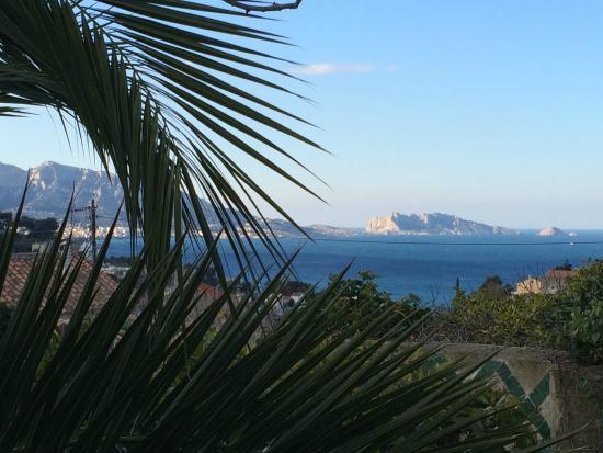 La Bastide du Roucas : Vue sur l'ile Maïre