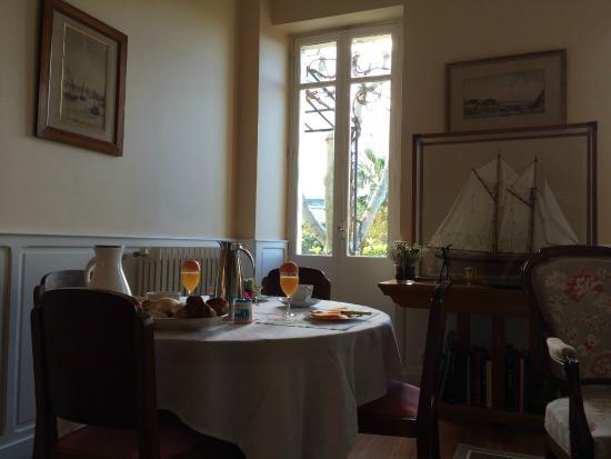 La Bastide du Roucas : Petit-Déjeuner privé