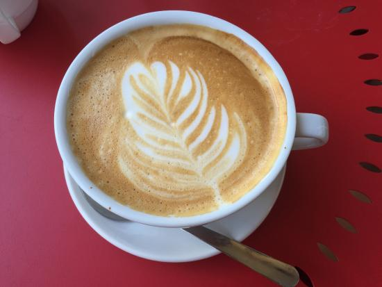 Caffe Di Riverwalk: Latte!