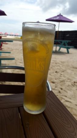 Copacabana Beach Bar & Grill : Banks at the beach