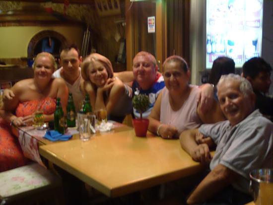 La Piazza Pizzeria : Best family in the world