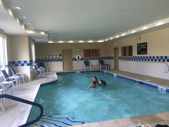 Hampton Inn Nashua: Pool