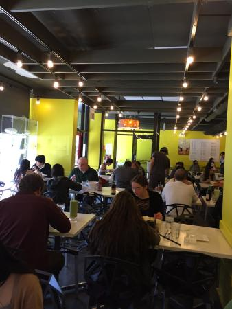 Joy Yee's Noodle Kitchen: Can seat small or large groups