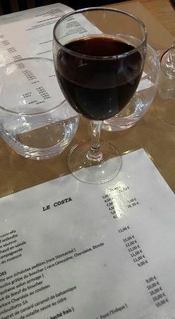 Le Costa : Une carte juste bien, pour une qualité de fraîcheur... Un p'tit Cote de Blaye de toute bonne fac