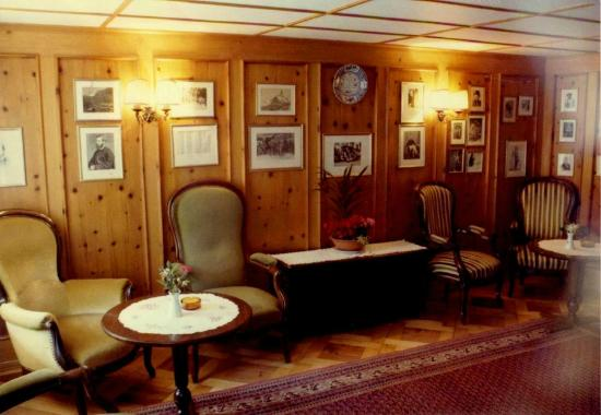 Hotel Monte Rosa: The famous Alpine Club Room at Monte Rosa