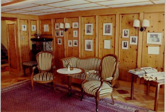 Hotel Monte Rosa: Another view of the Alpine Club Room