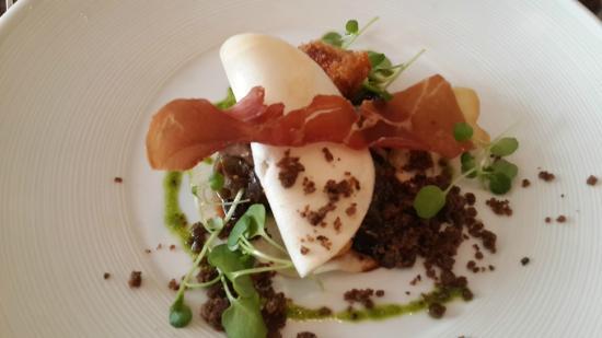 Gingerman: Dorset Snails, Celeriac, Black Garlic, Pied de Mouton Mushrooms, Crispy Bacon & Bone Marrow
