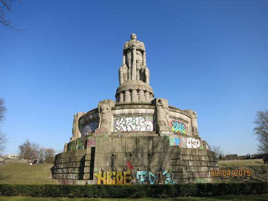 Bismarckdenkmal: ппамятник Бисмарку