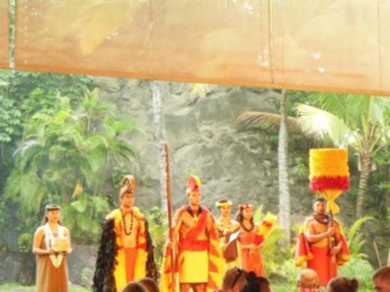 Polynesian Cultural Center: the royal court