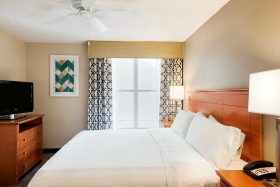 Homewood Suites Orlando-International Drive/Convention Center: King Bed Room