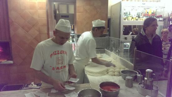 tavoli di marmo - Foto di I marmi pizzeria, Roma - TripAdvisor