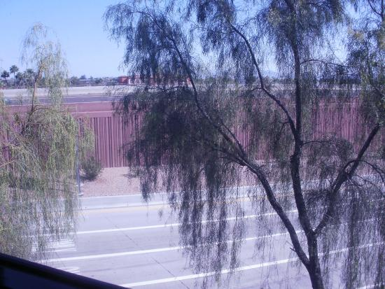 BEST WESTERN Inn of Tempe: View from room 404