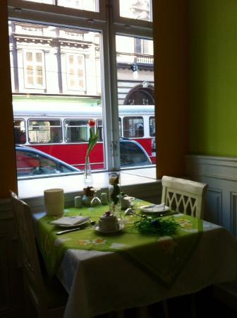 Hotel Kugel: Easter breakfast table!