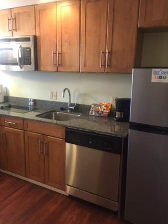 HYATT house Hartford North/Windsor: King Studio Kitchen