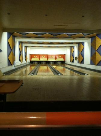 Paterson, NJ: The Bowling Lanes at Paul's