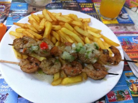 Chez Leger: Les brochettes de Crevettes, frites