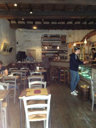 Barzilai bistrot: Interior restaurante