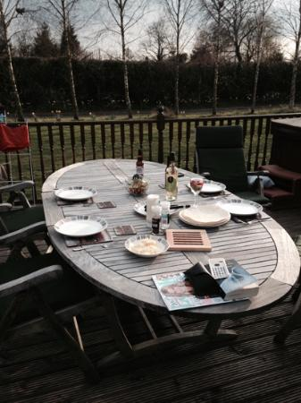 Herrington Park Holiday Log Cabins York: alfresco dining