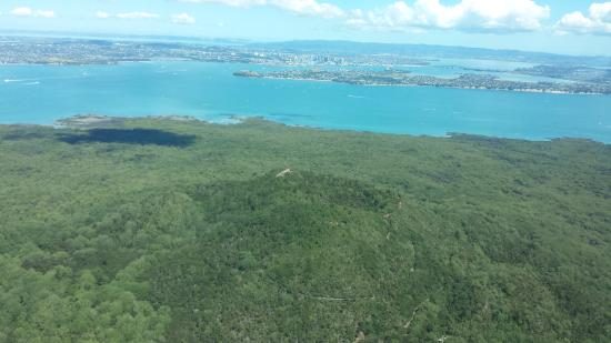 Waiheke Island, New Zealand: A view to Auckland City