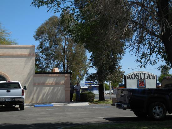 Rositas Mexican Cuisine: view of restaurant from parking lot