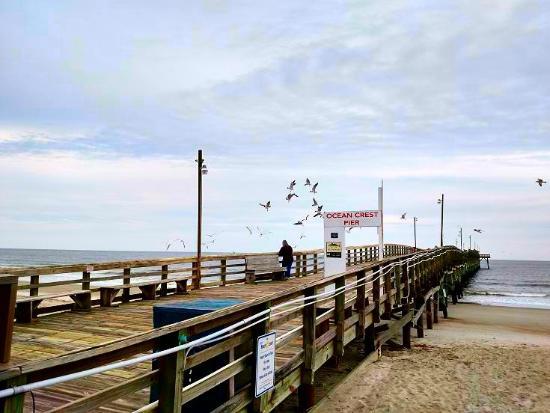 Pier picture of ocean crest pier oak island tripadvisor for Ocean crest fishing pier