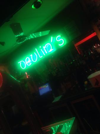 ‪Devlin's Irish Bar‬
