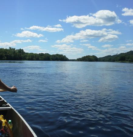 Chippewa River Trail : Canoeing down the Chippewa River