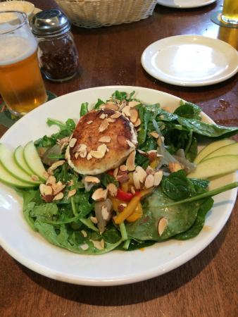 Sierra Nevada Brewing Company : Arugula Goat Cheese Salad