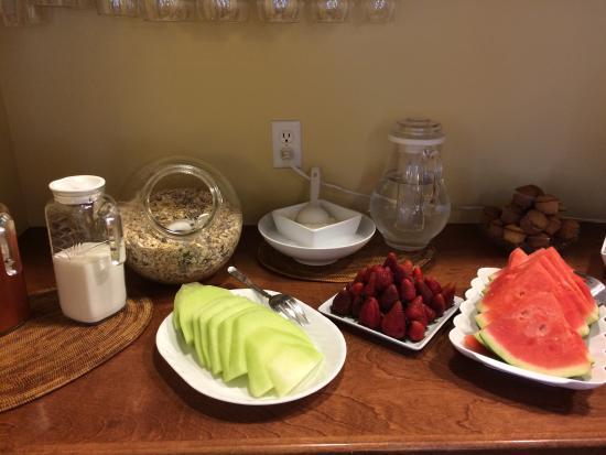 The Rigdon House: Amazing breakfast spread