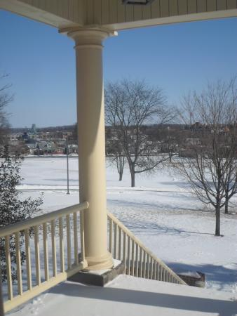 Gettysburg Seminary Ridge Museum: Looking towards G-Burg from the porch
