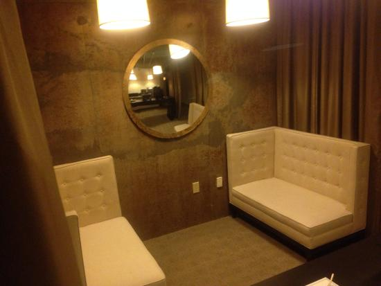 Proximity Hotel: Lounging area each floor