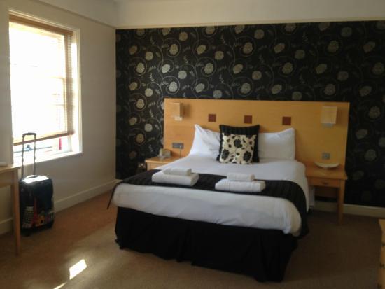 Warwick Arms Hotel: Room