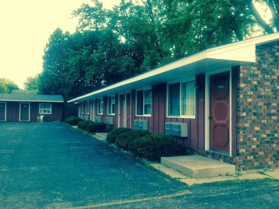 Clintonville, WI: Building 3 Hotel