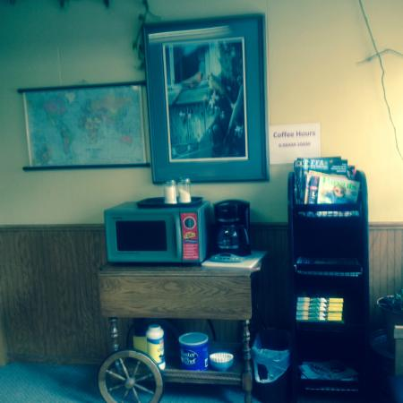 Clintonville, WI: Main Hotel Office