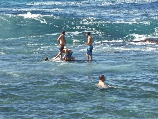 Bronte Beach: Having fun